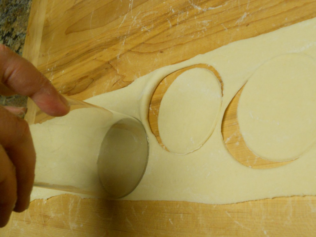Cut circles of dough to fill.