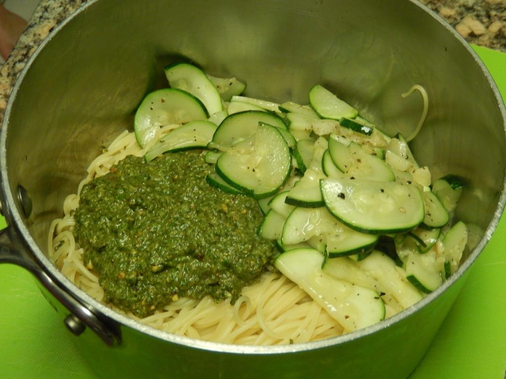 Mix the spaghetti with the pesto & sauteed zucchini.