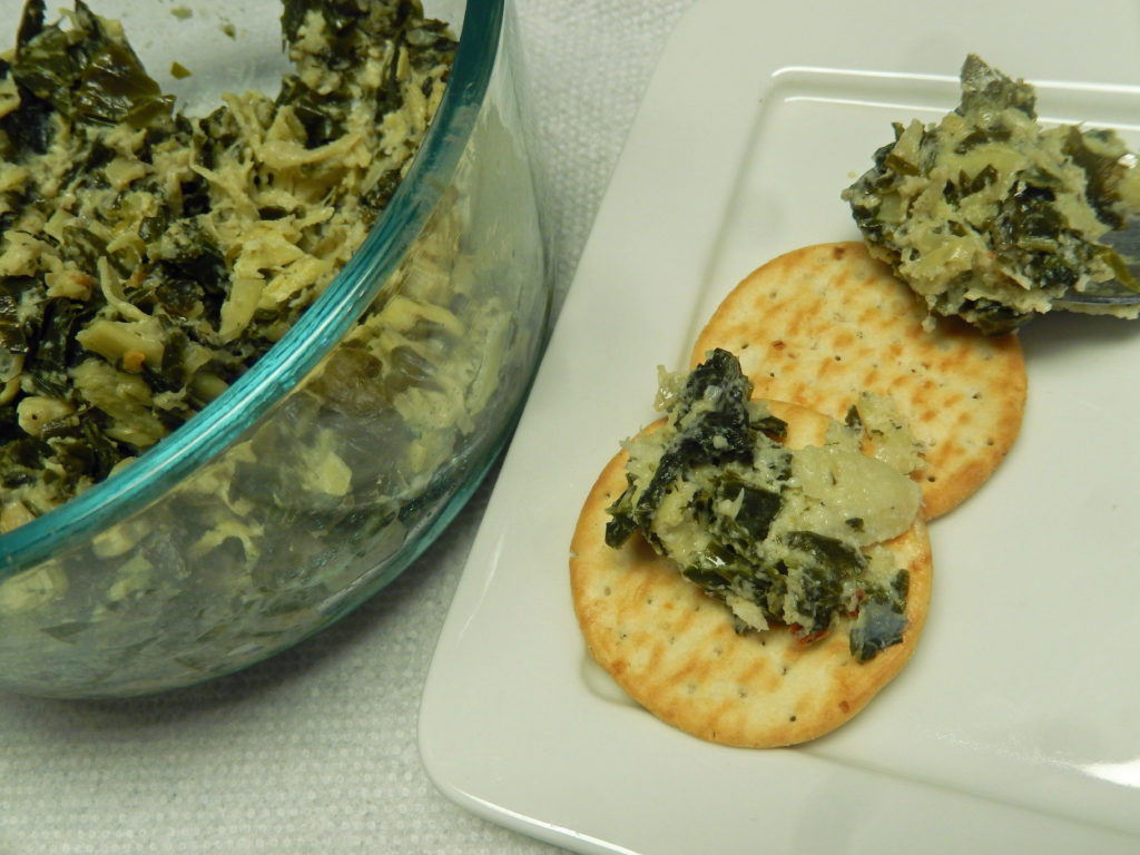 Serve the dip with crackers.